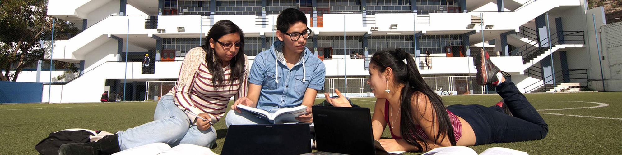 Universidad De Ayacucho Federico Froebel